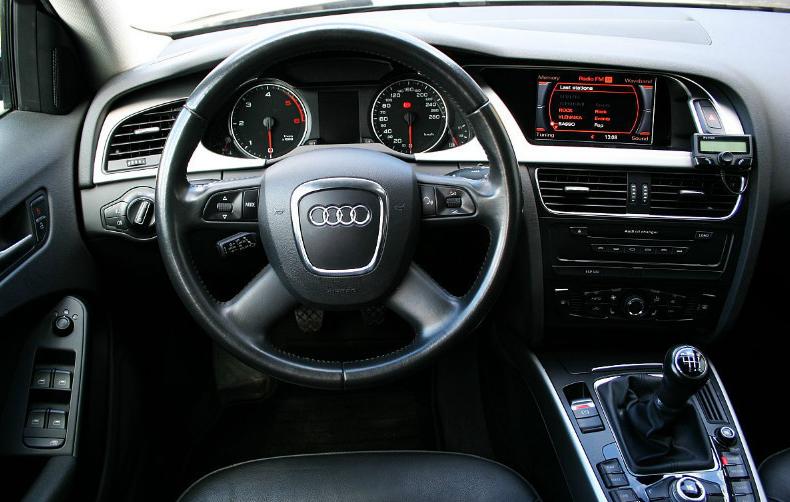 Audi A4 Avant Sisätilat